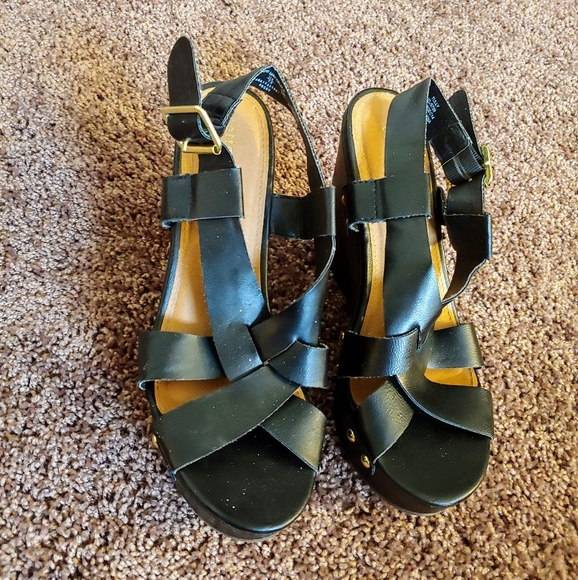 attention Shoes - Attention women's black strappy wedges